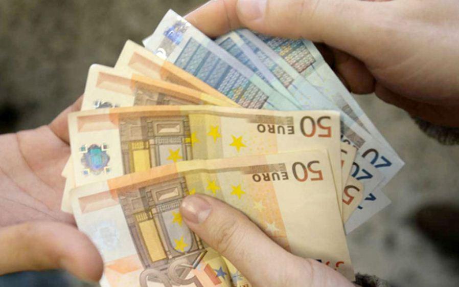 Rinnovo del contratto della scuola: 200 Euro netti al mese, è la richiesta di PI